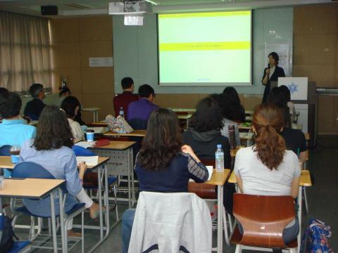 바로 학교현장에 적용할 수 있도록 다양한 워크숍이 진행됐다. 김순강