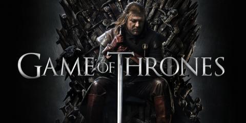 미국 HBO가 조지 마틴의 소설 '얼음과 불의 노래'를 각색한 TV 드라마 '왕좌의 게임'의 인기가 높아지고 있다.