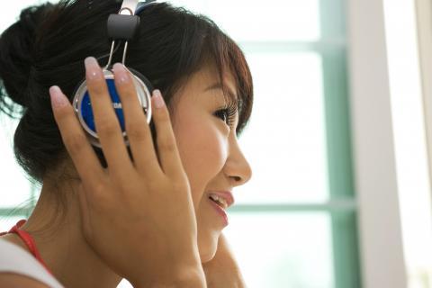 공감각은 노래를 들으면서 색상을 떠올린다거나, 냄새를 맡으면서 색상을 떠올리는 것과 같이 한번에 두가지 감각을 느끼는 것을 의미한다. 이러한 공감각은 개인차가 별로 없다는 연구가 발표되었다.  ⓒ ScienceTimes