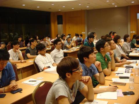 대학생 과학기술 동아리 창업워크숍에서 진지하게 경청하고 있는 청년대학생들. ⓒ ScienceTimes