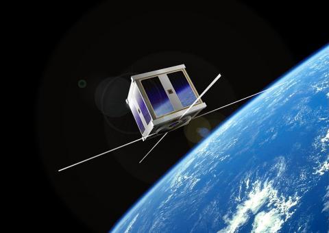 큐브샛은 다른 위성에 비해 상대적으로 작은 크기 때문에 경제성이 뛰어나다고 평가받고 있다. 작은 크기에 비하여 할 수 있는 일이 많아 주목받고 있다. 하지만 한편으로는 무분별하게 큐브샛을 올려보내고 있어 우주 충돌 위험이 생길 수 있다는 의견도 나오고 있다. ⓒ위키피디아