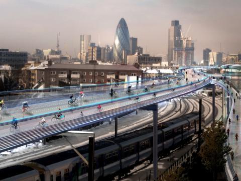건축가 노먼 포스터 경은 기존의 철로 위에 자전거 전용 고가도로를 건설하는 '스카이 사이클(SkyCycle)' 프로젝트를 고안해냈다. ⓒ Foster & Partners