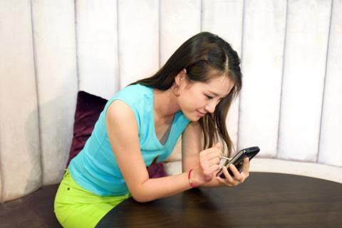스마트폰 없는 일상 생활은 더이상 상상하기 어렵다. 일부는 스마트폰이 없으면 초조하고 불안을 느낀다. '노모포비아' 증상이다.