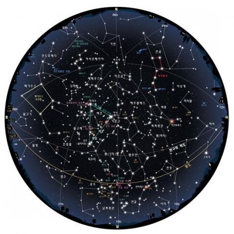 8월 중순 밤 9시 기준 밤하늘 모습. ⓒ 천문우주기획