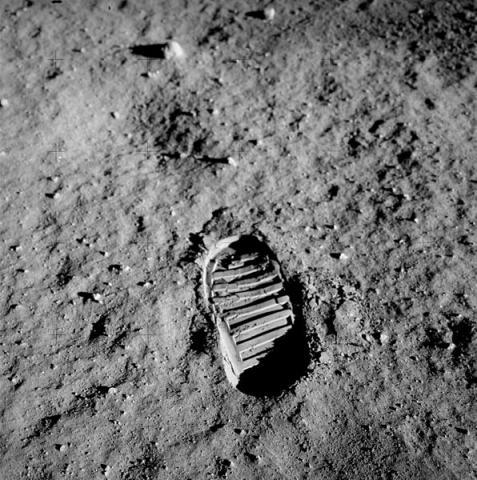 달 표면에 남겨진 인간의 발자국. ⓒ ScienceTimes