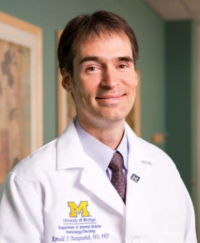 미세유체 소자를 이용해 암세포의 계층구조를 처음으로 밝혀낸 로널드 부카노비치 교수 ⓒ University of Michigan Health System