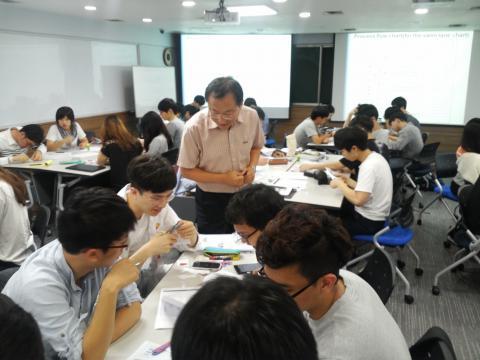 edu3.0 강의실에서 수업중인 이태억교수 ⓒ 이태억