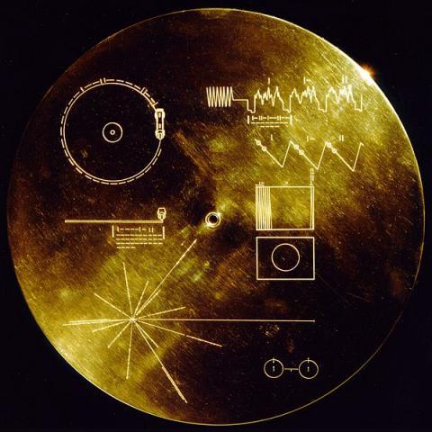 지구의 소리와 이미지를 담은 보이저 골든 레코드의 모습  ⓒ NASA/JPL
