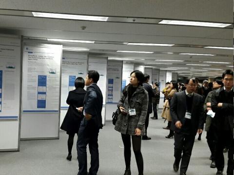 범부처신약개발사업단 주최로 28일 열린 글로벌 c&d 테크페어에 참석한 관련 학계와 기업 관계자들은 이날 공개된 후보물질에 높은 관심을 보이고 오픈이노베이션의 중요성에 대해 입을 모았다.