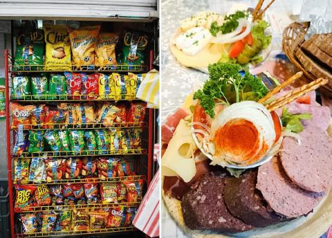 가공식품은 자가면역질환을 유발한다는 연구가 나왔다. 현대사회에서 가공식품을 전혀 안 먹을 수 없으나 양을 줄이는 등 주의가 필요하다. 사진은 편의점의 스낵코너와 소시지 식단. ⓒ Wikipedia