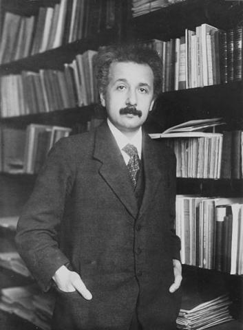 일반상대성이론을 발표하던 해인 1916년의 아인슈타인. ⓒ Free Photo