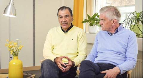 잘 코케야 교수와 올레 린드발 교수가 뇌졸중과 퇴행성 뇌신경 질환의 줄기세포 치료법에 대해 인터뷰하고 있다. ⓒ Lund Univ.