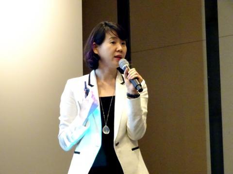"""""""인공지능 기술은 더이상 퓨쳐 테크놀로지가 아니다"""" 한국 IBM 김연주 상무는 """"향후 미래는 코그너티브 컴퓨팅의 시대가 될 것""""이라고 말했다."""