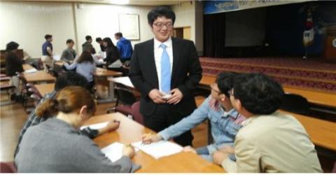 해피매직클럽은 매주 2번씩 모여 팀원들과 회의를 하며 과학마술 프로그램을 개발하고 있다.  ⓒ 김주현 / ScienceTimes