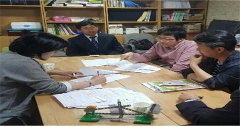 김인선, 장치훈, 고성우 교사는 우리동네 과학클럽을 통해 제주지역사회에 과학문화를 전     파하겠다며 도민들께서도 과학의 대중화에 함께 동참해달라고 당부했다. ⓒ 김주현 / ScienceTimes