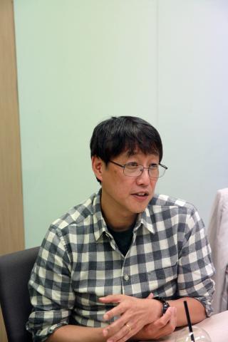 김교수는 과학자는 스스로 좋아서 연구하는 사람이라고 말한다. ⓒ 아프리카TV