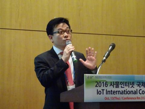 KT 차동석 상무는 전세계 헬스케어 트랜드를 소개했다. ⓒ 김은영/ ScienceTimes