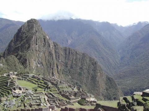 해발 2430m에 자리한 마추픽추는 자급자족이 가능한 완벽한 계획도시다. ⓒ UNESCO / Author : F. Bandarin