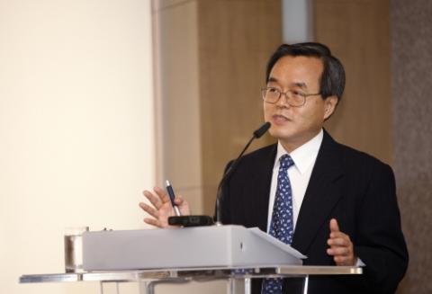 최초로 한국인 게놈지도를 완성한 서울의대 유전체의학연구소장. 공동 연구를 통해 한국인의 유전자 지도를 완벽하게 작성해 한국인은 물론 아시아인을 위한 의학연구에 기반을 구축했다.  ⓒ ScienceTimes