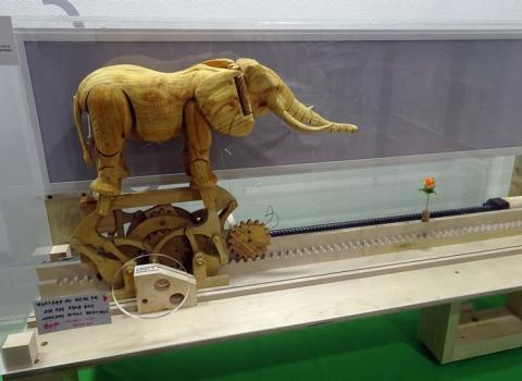 멸종위기의 동물도 메이커의 작품으로 새롭게 탄생하다. 이승항 메이커의 '아프리카 코끼리'.