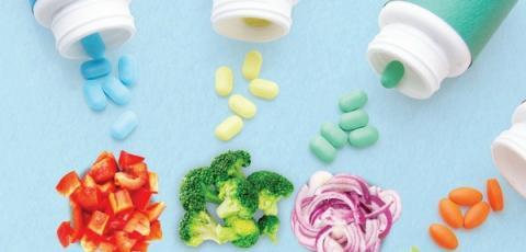 안내서의 발간 이유는 약과 식품의 동시 섭취에 따른 부작용이 증가하고 있기 때문이다