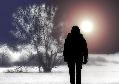 고독감을 느끼면 같은 감기에 걸려도 증세를 더 심하게 느낀다는 조사 연구가 나왔다.  credit : Pixabay