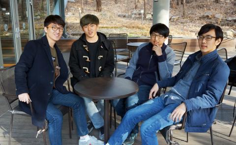 서울대 캠퍼스에서 다시 모인 (왼쪽부터) 최서우, 하현수, 김준휘, 김태형. ⓒ 심재율 / ScienceTimes