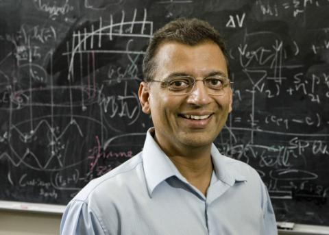 연구를 수행한 UCLA 신경물리학자 마얀크 메타 교수. Credit : UCLA Health