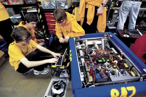 STEM 교육은 창조적인 과학기술 인력 양성을 위한 기초가 된다.  Credit : Pinterest