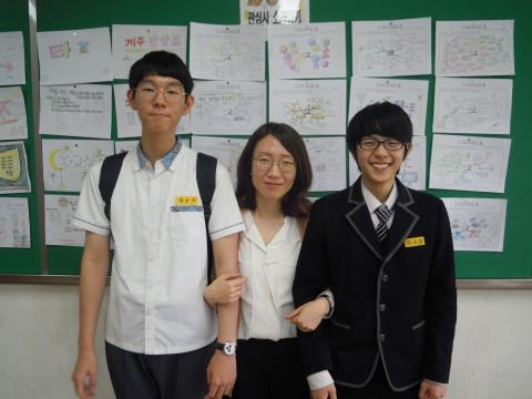 왼쪽부터 장인규 학생, 노경보 선생님), 김무선 학생 ⓒ김지혜/ ScienceTimes