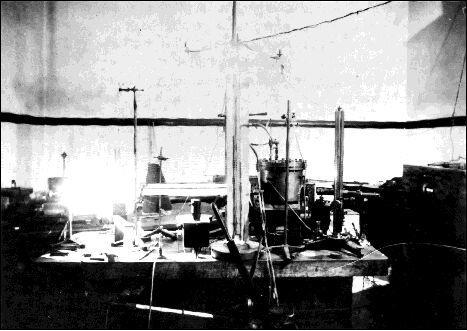 밀리컨의 기름방울 실험세팅(1909년). ⓒ Free Photo