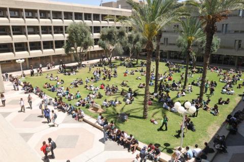창업의 나라 이스라엘이 과학기술 전문인력 부족으로 몸살을 앓고 있다. 부족한 인력을 대체하기 위해 해외에서 전문인력을 대거 영입하고 있는 중이다.  ⓒben-gurion university