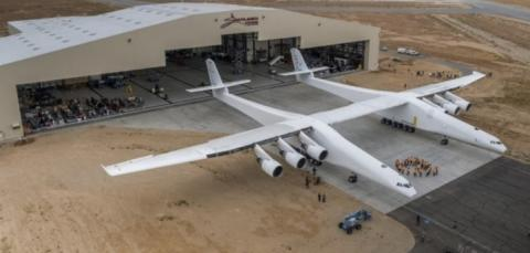 세게에서 가장 넒은 날개를 자랑하는 스트라토런치의 위용 ⓒ Stratolaunch Systems
