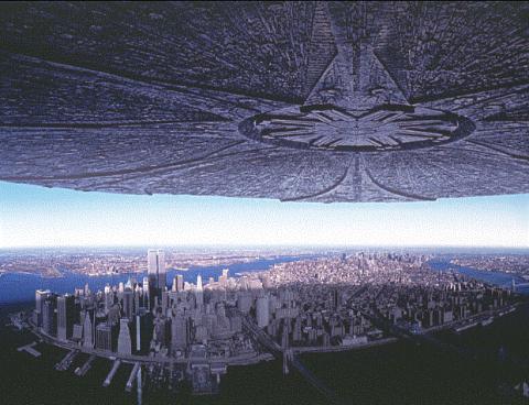 1996년 개봉한 롤랜드 에머리히 감독판 영화 '인디펜더스 데이'에는 거대한 외계비행체가 도시를 뒤덮는 장관을 연출해 전세계적 화제를 불러모았다.