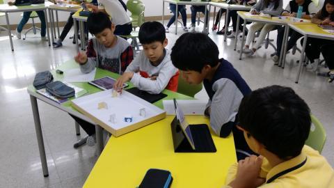 동성초등학교 학생들이 소프트웨어 수업에 참여하고 있다. ⓒ 동성초/ScienceTimes