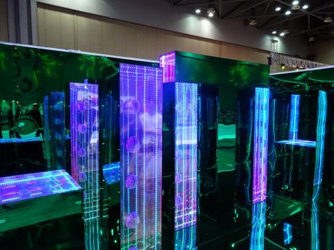 [사진] '5호연구실(조은우)' 작가의 'AI, 뇌파 그리고 완벽한 도시'. ⓒ김은영/ ScienceTimes