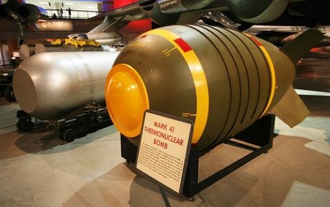 북한이 6차 핵실험을 통해 소형화에 성공했다고 주장하는 수소폭탄. 핵융합을 이용해 가공할 수준의 폭발이 가능하다.   ⓒWikipedia