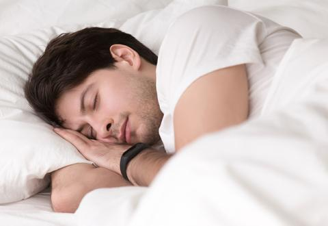 지난 30년간 수면 관련 논문을 분석한 결과 많은 사람들이 수면부족으로 고통을 겪고 있다는 우려가 제기되고 있다.  ⓒhopkinsmedicine.org