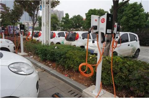 중국 전역에서 운영 중인 대표적인 공유 자동차 고펀(GO FUN)이 후난성 창사시 국제 박람회장에 주차돼 있다.  ⓒ 임지연 / ScienceTimes