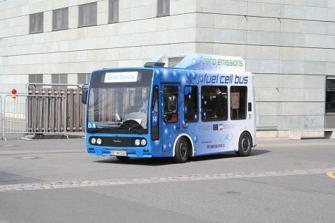 수소연료전지 버스의 운행 모습. ⓒ Free photo