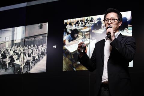박일준 회장이 인사말을 통해 학교 교육의 문제점을 지적하고 있다. ⓒ 디지털리터러시교육협회
