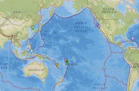 실시간으로 지진 상황을 전달하고 있는 '어스퀘이크 트렉(Earthquake Track)'에서 한반도를 비롯한 환태평양지진대 '불의 고리' 영역 내 지진발생 상황을 고시하고 있다. 15일 현재 한반도의 지진발생 상황이 고시되고 있다.