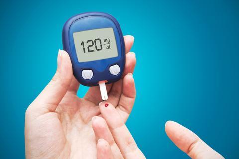 당뇨 관리를 위한 혈당검사 장면. Credit : UNIVERSITÉ DE GENÈVE