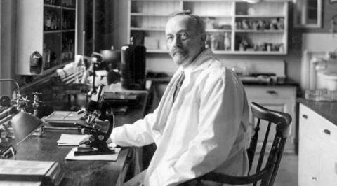 기생충이 생쥐에게 위암을 발생시킨다는 사실을 밝혀 1926년 노벨 생리의학상을 수상한 요하네스 피비게르.  ⓒ 위키미디어 public domain