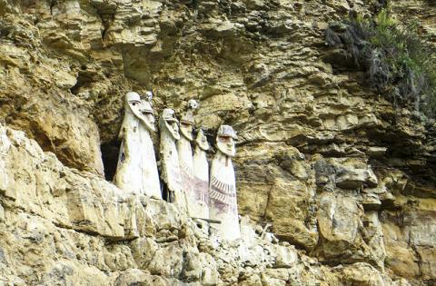 카라히야의 인체 모양 석관에는 고위직에 있었던 차차포야스인 조상들의 유골이 들어있다. 오늘날 차차포야스 주민 일부는 잉카 이전에 이 지역에 들어온 사람들의 후손이다.  CREDIT: Chiara Barbieri