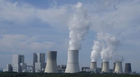원전은 줄이고 신재생에너지는 늘리는 것이 선진 국가들의 추세다
