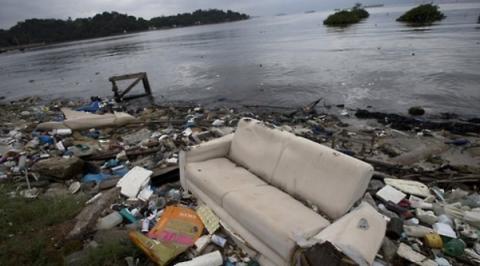해상쓰레기 문제는 이제 해양 생태계를 파괴하는 수준에까지 이르고 있다 ⓒ 연합뉴스