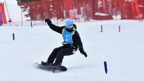 스노우보드는 광적으로 서핑을 즐기는 사람에 의해 개발됐다 ⓒ disabledsportsusa.org