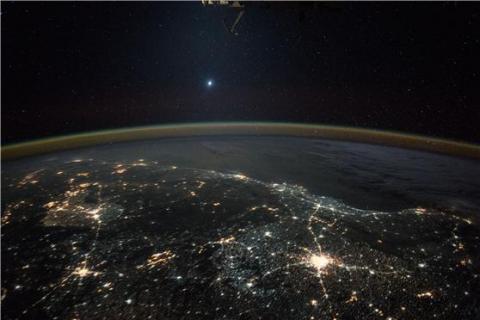 국제우주정거장에서 바라본 금성 ⓒ NASA