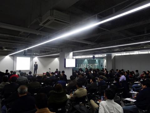 스타트업계에도 인공지능은 가장 뜨거운 주제이다. 12일 서울 강남구 팁스타운에서 열린 제 3회 엔젤리더스포럼에서 발표된 '인공지능 스타트업 트렌드' 강연에 이목이 집중됐다.